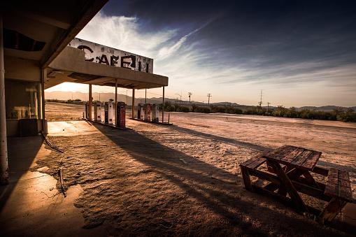 Ghost Town「Abandoned Cafe in the Desert」:スマホ壁紙(2)