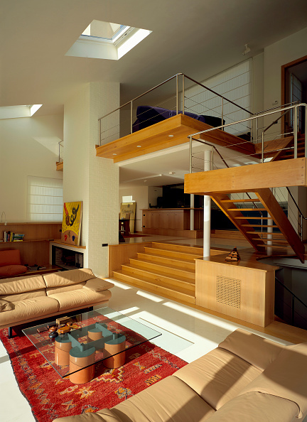 Beige「View of a living room with a skylight」:写真・画像(13)[壁紙.com]