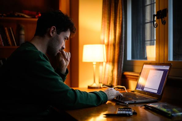 University Student「Coronavirus Pandemic Moves Cambridge Uni Students To Online Learning」:写真・画像(0)[壁紙.com]