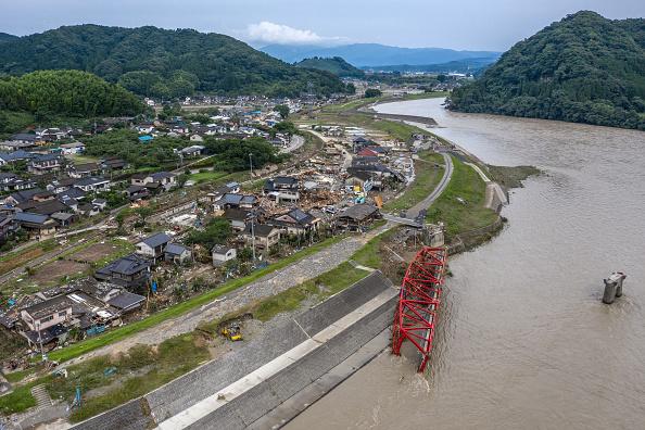 Torrential Rain「Torrential Rain Causes Widespread Flooding In Central Japan」:写真・画像(9)[壁紙.com]