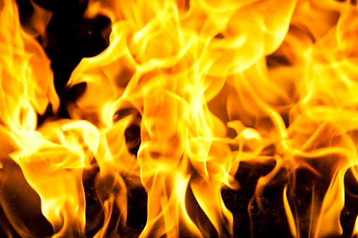 Inferno「Yellow burning fire flames on black background」:スマホ壁紙(11)