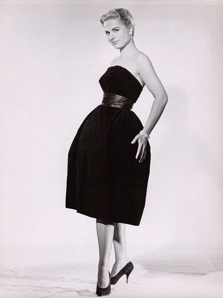 Cocktail Dress「Ursula Heyer」:写真・画像(5)[壁紙.com]