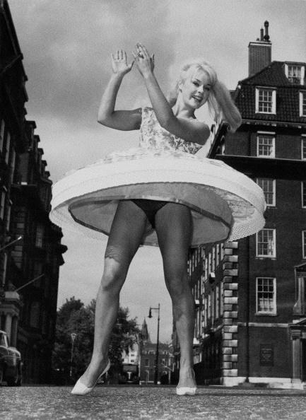 Spinning「Elke Sommer」:写真・画像(5)[壁紙.com]