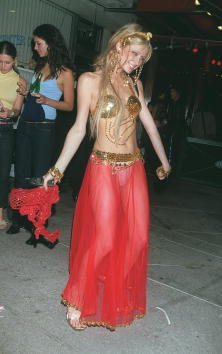 Celebrities「Paris Hilton Halloween Costume Party」:写真・画像(1)[壁紙.com]