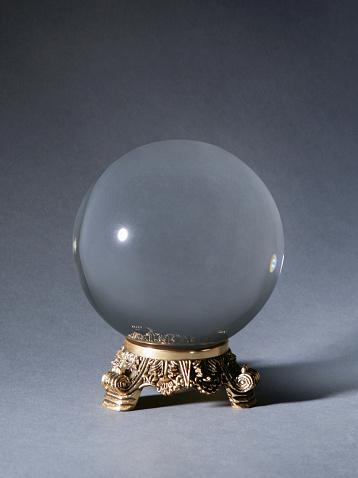 Forecasting「Crystal ball against gray background」:スマホ壁紙(15)