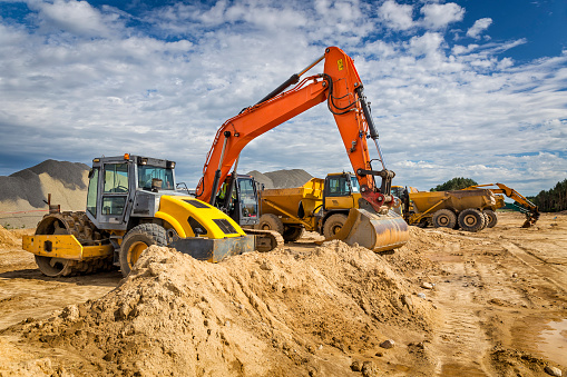 Construction Vehicle「Road construction machinery on the construction of highway」:スマホ壁紙(1)