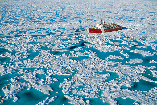 Pack Ice「Canadian Coast Guard Icebreaker in M'Clure Strait」:スマホ壁紙(1)