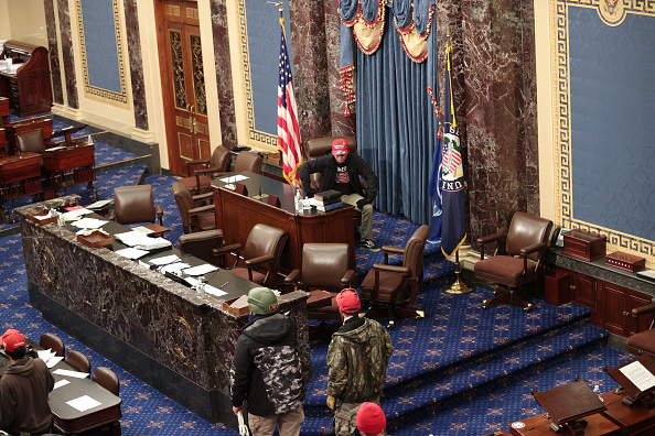 Congress「Congress Holds Joint Session To Ratify 2020 Presidential Election」:写真・画像(11)[壁紙.com]