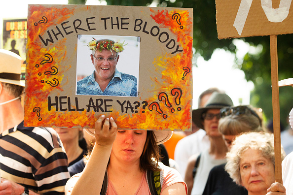 Sydney「Climate Protesters Rally At Kirribilli House As Bushfires Continue To Burn Across NSW」:写真・画像(15)[壁紙.com]