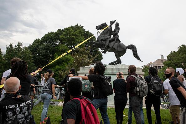 Sculpture「Protests Continue Around Black Lives Matter Plaza In Washington, DC」:写真・画像(2)[壁紙.com]