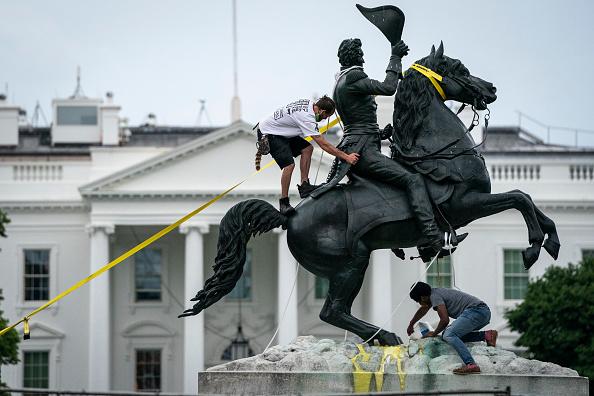 Statue「Protests Continue Around Black Lives Matter Plaza In Washington, DC」:写真・画像(7)[壁紙.com]