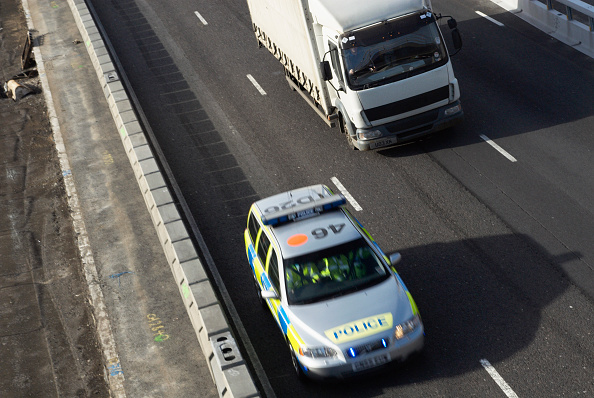 Blurred Motion「Police car on M25 between junctions 3 and 4」:写真・画像(16)[壁紙.com]