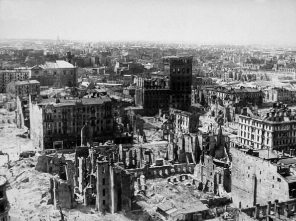 World War II「Warsaw In Ruins」:写真・画像(13)[壁紙.com]