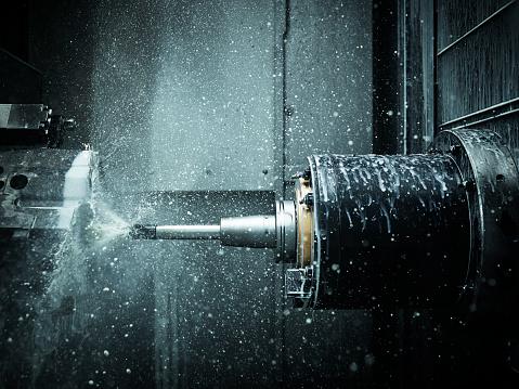 Reliability「CNC machine drilling with coolant」:スマホ壁紙(2)