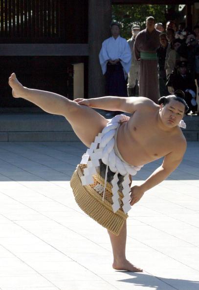 Asashoryu Akinori「Asashoryu Performs Dohyo-Iri」:写真・画像(8)[壁紙.com]