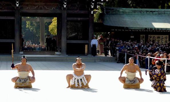 Asashoryu Akinori「Asashoryu Performs Dohyo-Iri」:写真・画像(9)[壁紙.com]