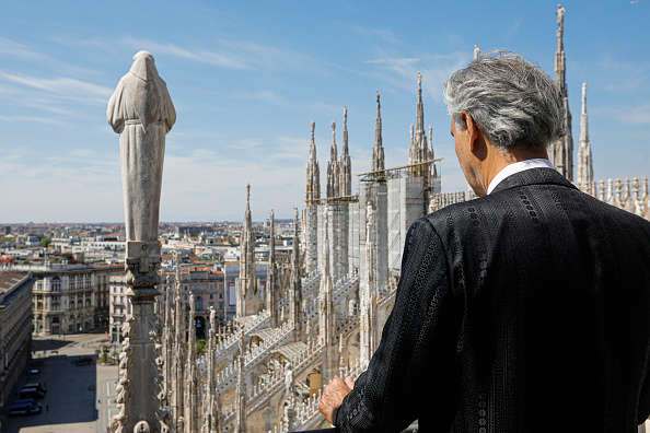 Cathedral「Andrea Bocelli 'Music For Hope' Easter Concert - Duomo Cathedral In Milan」:写真・画像(8)[壁紙.com]