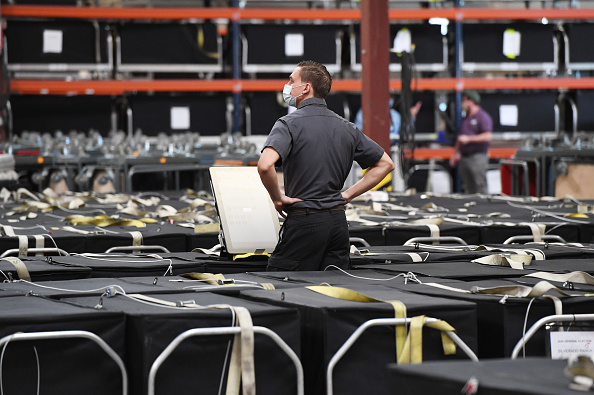 Machinery「Clark County Election Officials Continue Vote Tabulation」:写真・画像(8)[壁紙.com]