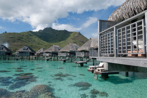 Bungalow「Water bungalows, Hilton resort.」:スマホ壁紙(15)