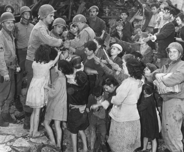 World War II「Generous GIs」:写真・画像(5)[壁紙.com]