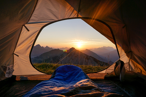 Tent「Tent pitched in Allgau Alps at sunset with Sulzspitze in background」:スマホ壁紙(3)