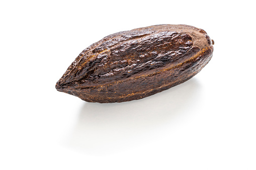 Temptation「Cocoa pod with cacao for chocolate isolated on white」:スマホ壁紙(3)