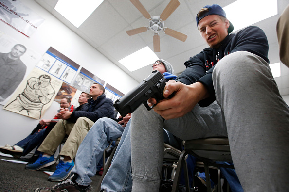 Hiding「Concealed Carry Classes See Big Push For Licenses」:写真・画像(1)[壁紙.com]