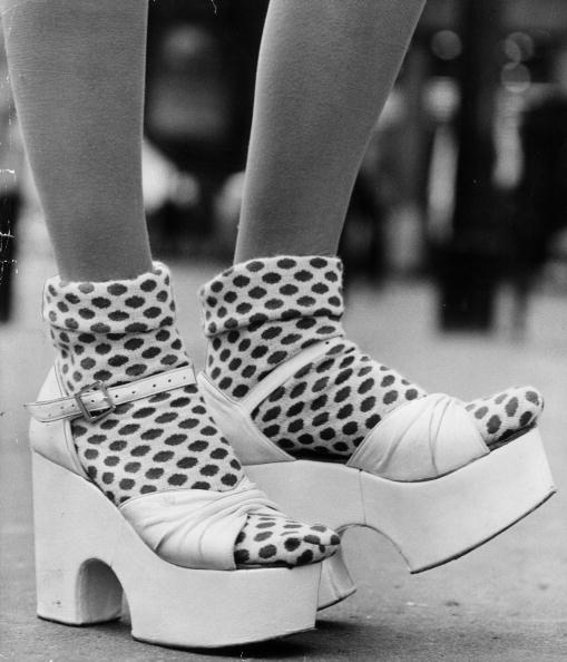 Platform Shoe「Spotty Socks」:写真・画像(0)[壁紙.com]
