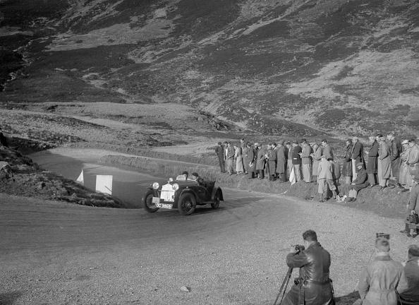 Hairpin Curve「BSA McEvoy Special of Michael McEvoy at the RSAC Scottish Rally, Devil's Elbow, Glenshee, 1934」:写真・画像(5)[壁紙.com]