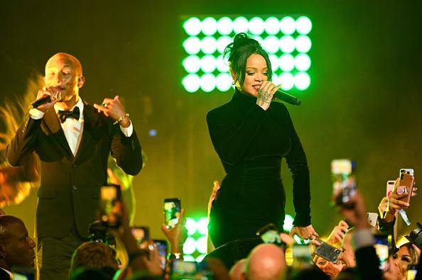 Performance「Rihanna's 5th Annual Diamond Ball Benefitting The Clara Lionel Foundation - Inside」:写真・画像(19)[壁紙.com]