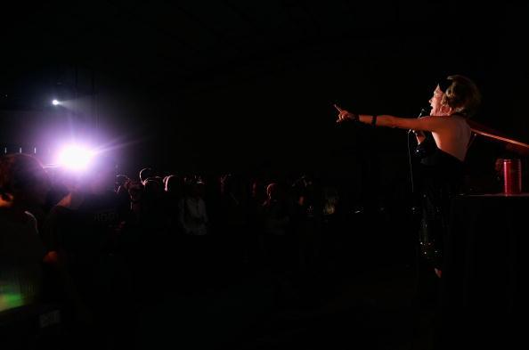Stage - Performance Space「Independent Visions: Queer Cinema Now! - Sarasota Film Festival 2006」:写真・画像(6)[壁紙.com]