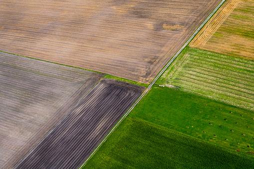 Plowed Field「Germany, Bavaria, View of fields, aerial view」:スマホ壁紙(18)