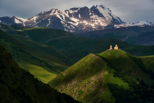コーカサス山脈「Caucasus Mountains, Georgia」:スマホ壁紙(5)
