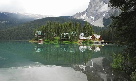 Yoho National Park「Emerald Lake」:スマホ壁紙(10)