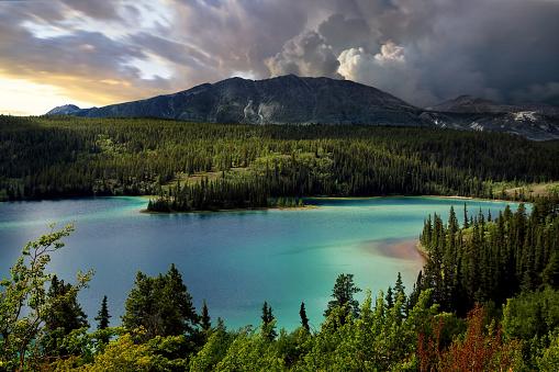 Yoho National Park「Emerald Lake, Southern Yukon, Canada」:スマホ壁紙(12)
