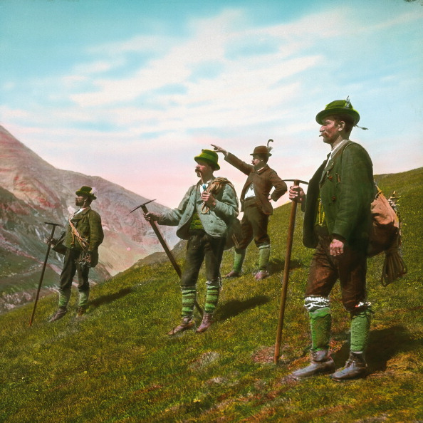 Mountain Range「Mountain guides. Grossglockner. Carinthia. Austria. Hand-colored lantern slide around 1910.」:写真・画像(11)[壁紙.com]