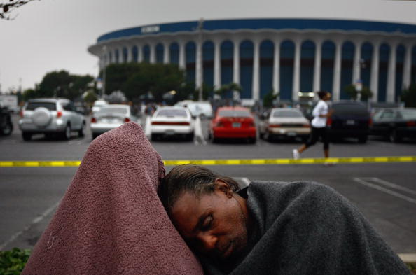 John Moore「Thousands Receive Free Medical Treatment At The Forum In Los Angeles」:写真・画像(13)[壁紙.com]