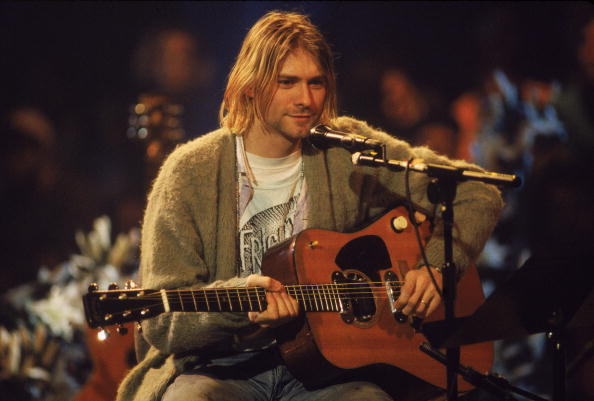 Performance「Kurt Cobain On 'MTV Unplugged'」:写真・画像(10)[壁紙.com]