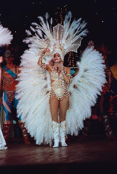 Feather「La Toya Jackson At The Moulin Rouge」:写真・画像(15)[壁紙.com]