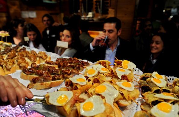 Tapas「Spaniards Fall Back On Tapas Bars In Harder Times」:写真・画像(9)[壁紙.com]
