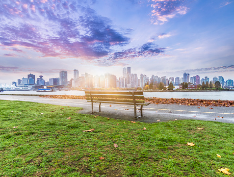 British Columbia「Vancouver skyline in sunrise」:スマホ壁紙(18)