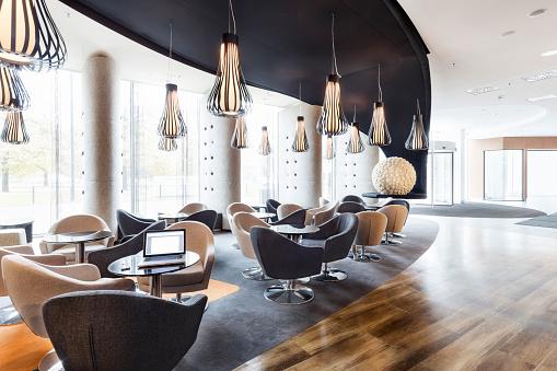 Laptop「Poland, Warsaw, lounge at hotel」:スマホ壁紙(8)