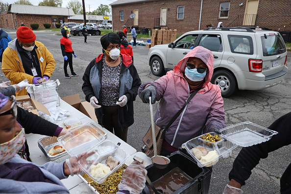 Meal「Catholic Charities DC Holds Major Food Giveaway In Maryland」:写真・画像(15)[壁紙.com]