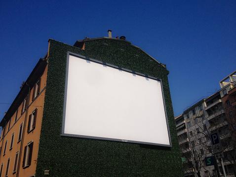 Lombardy「A blank board on a wall」:スマホ壁紙(11)