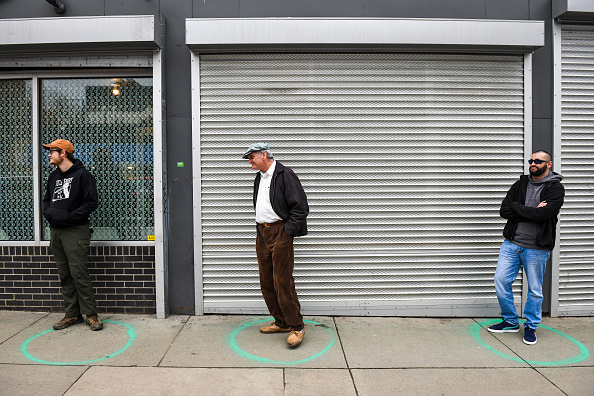 Stay at Home Order「Long Lines Form For Goods As Denver Mayor Calls For Residents To Shelter In Place」:写真・画像(12)[壁紙.com]