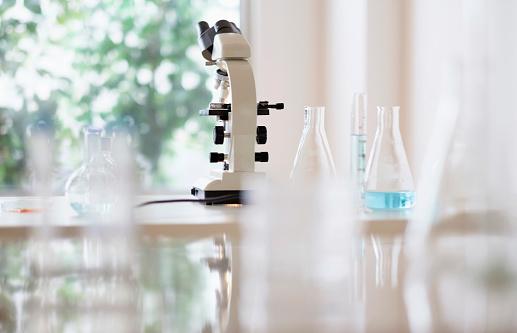 Chemical「Microscope and beakers in laboratory」:スマホ壁紙(16)