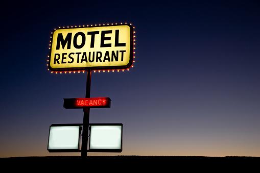 Motel「Motel Sign at Twilight USA」:スマホ壁紙(0)