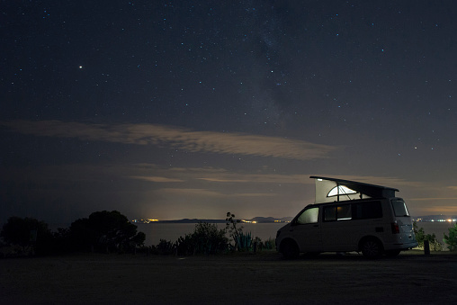 Tent「Spain, Catalonia, Costa Brava, Barcelona, camper at night, milky way」:スマホ壁紙(11)