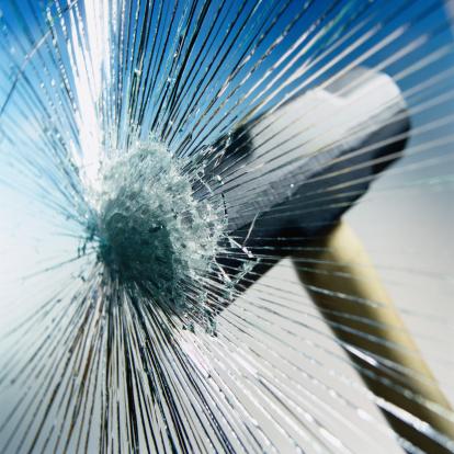 Destruction「Sledgehammer Hitting Glass」:スマホ壁紙(16)