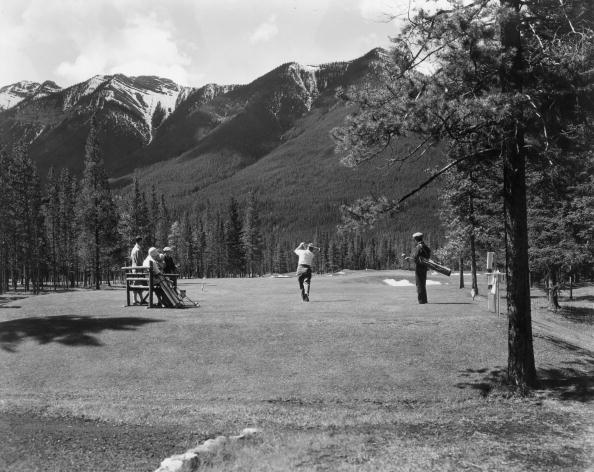 Recreational Pursuit「Golf By Mountains」:写真・画像(12)[壁紙.com]